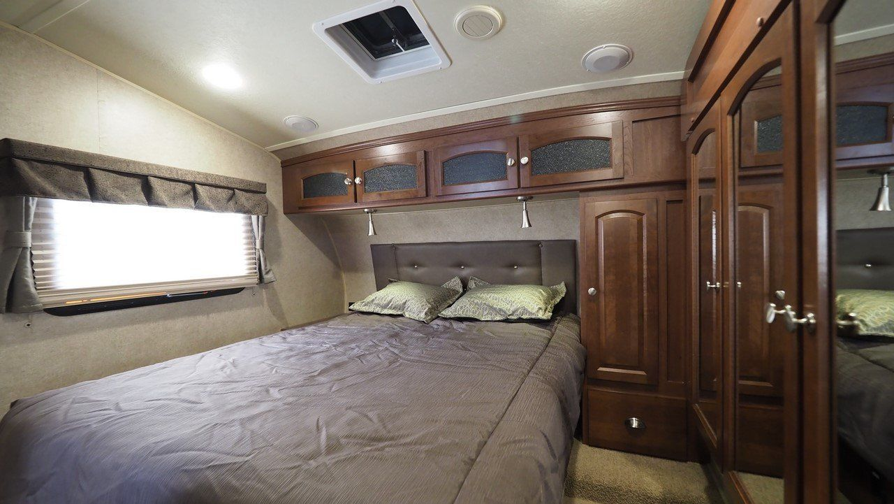 well equipped 2015 Forest River Rockwood Signature Ultra Lite Camper