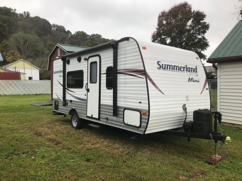 well equipped 2015 Keystone Summerland 19ft Camper for sale