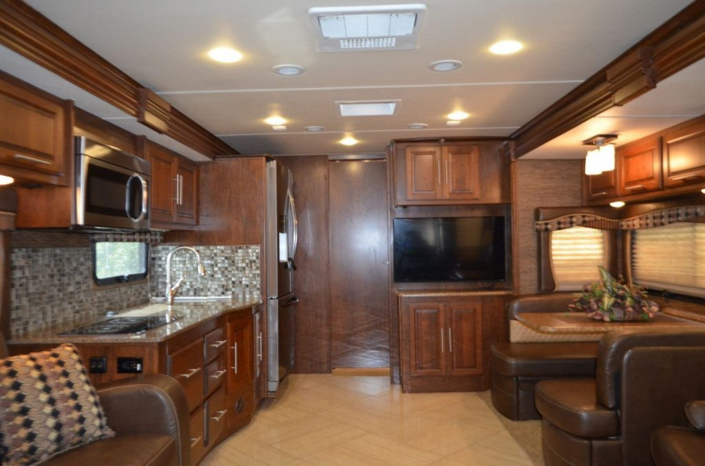 loaded 2016 Coachmen Sportscoach Cross Country camper
