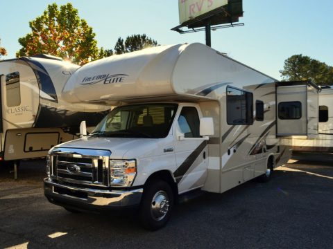 low miles 2017 Thor Freedom Elite camper for sale