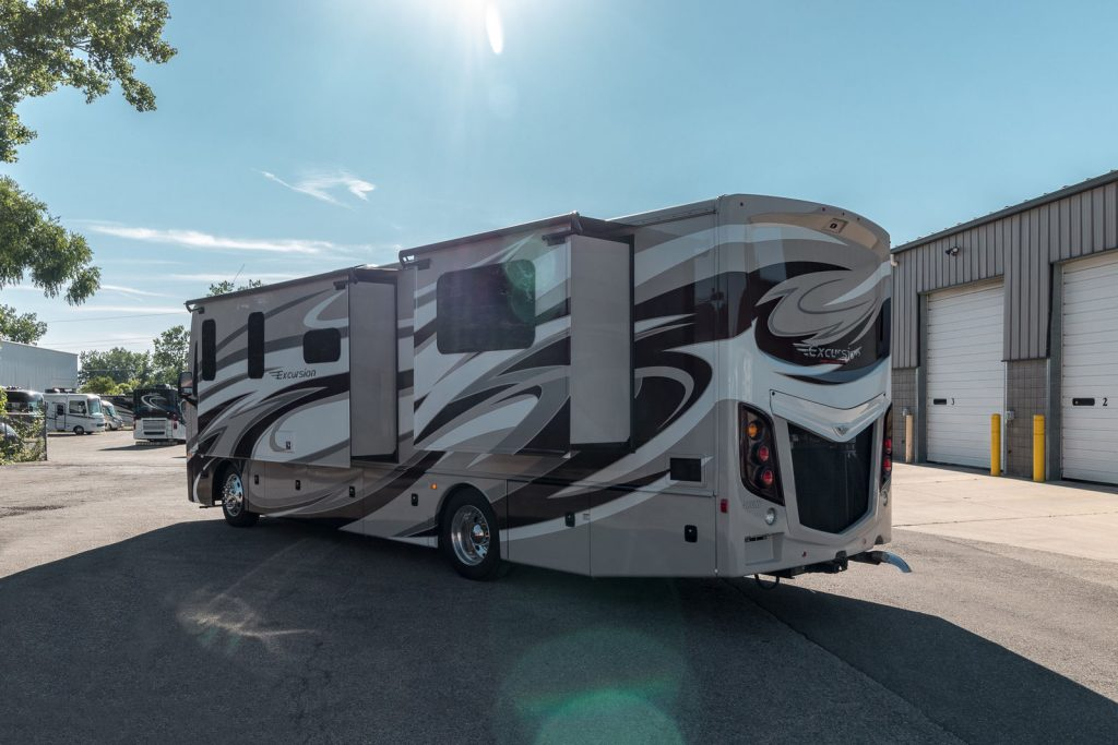 very clean 2016 Fleetwood Excursion 33D Camper