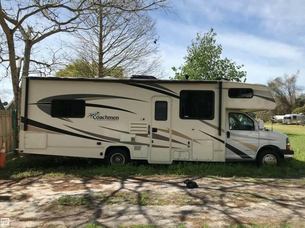 well equipped 2017 Coachmen Freelander camper