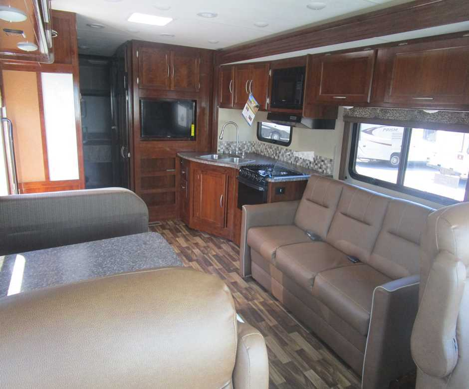 well equipped 2017 Pursuit 33BHPF camper