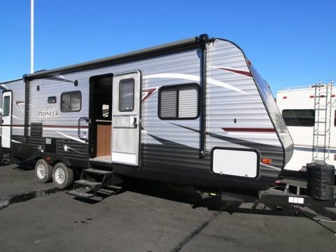 immaculate 2018 Heartland BH 270 camper for sale