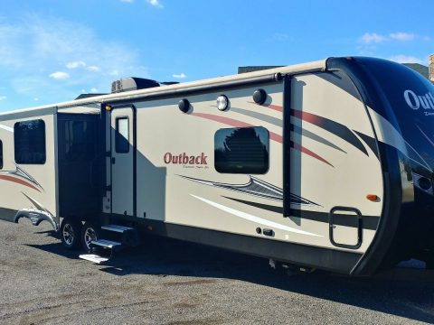 well maintained 2017 Keystone Outback camper for sale
