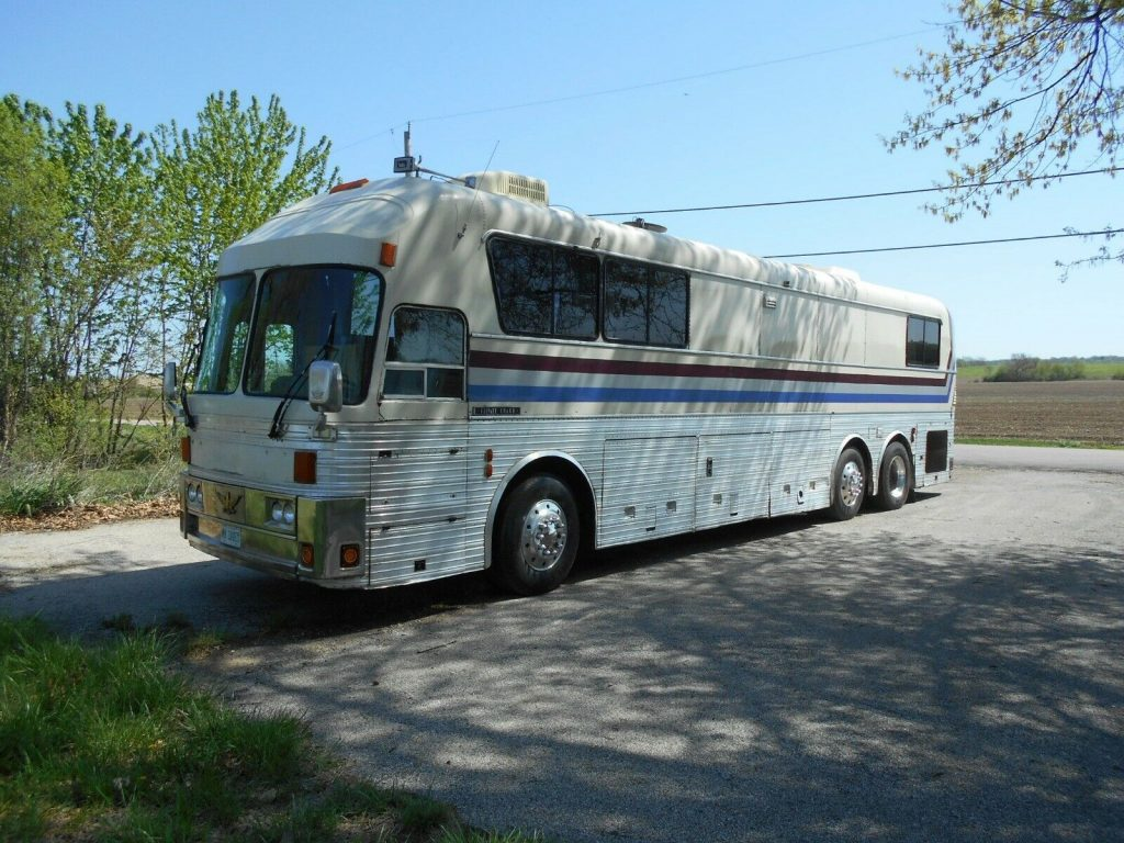 Bus Conversion 1970 Eagle camper