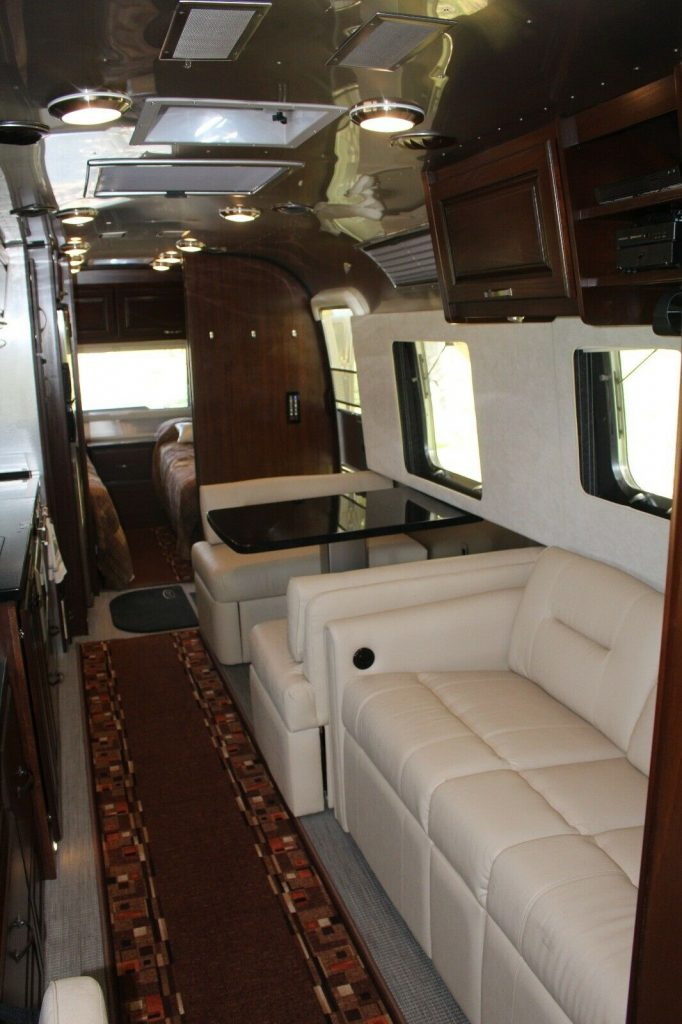 Fully loaded 2018 Airstream Classic 33FB Twin Beds camper