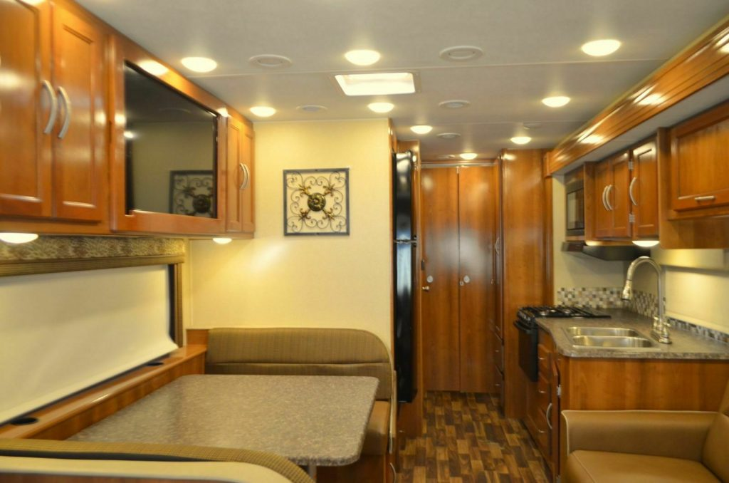 low miles 2018 Coachmen Pursuit camper
