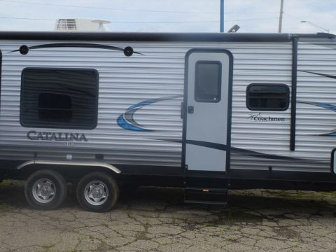 mint 2018 Coachmen Catalina SBX Camper for sale