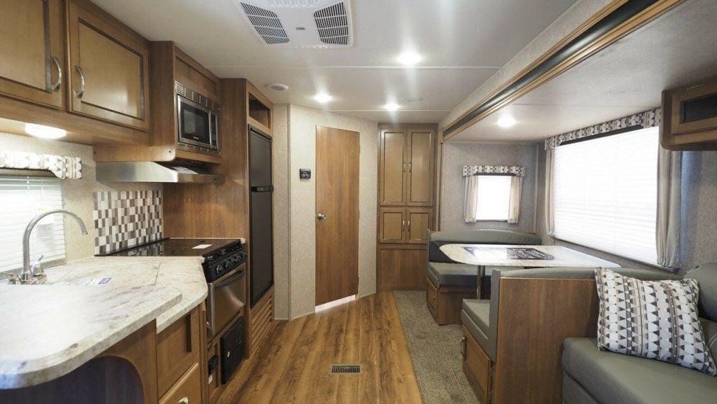 new 2018 Coachmen Catalina Legacy Edition Camper
