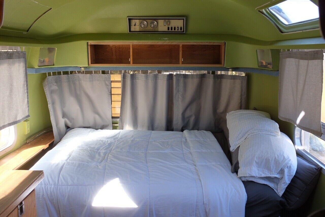 restored 1970 Airstream Safari 23′ camper