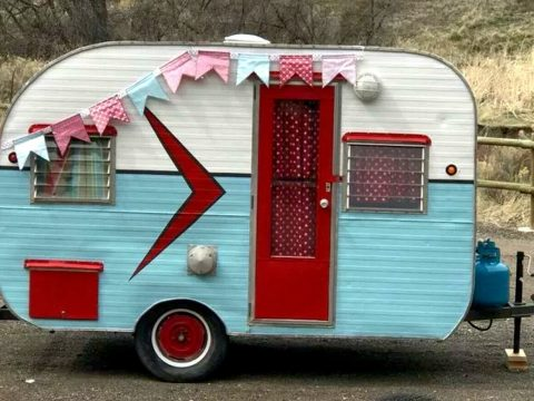 retro beauty 1958 Siesta Travel camper for sale