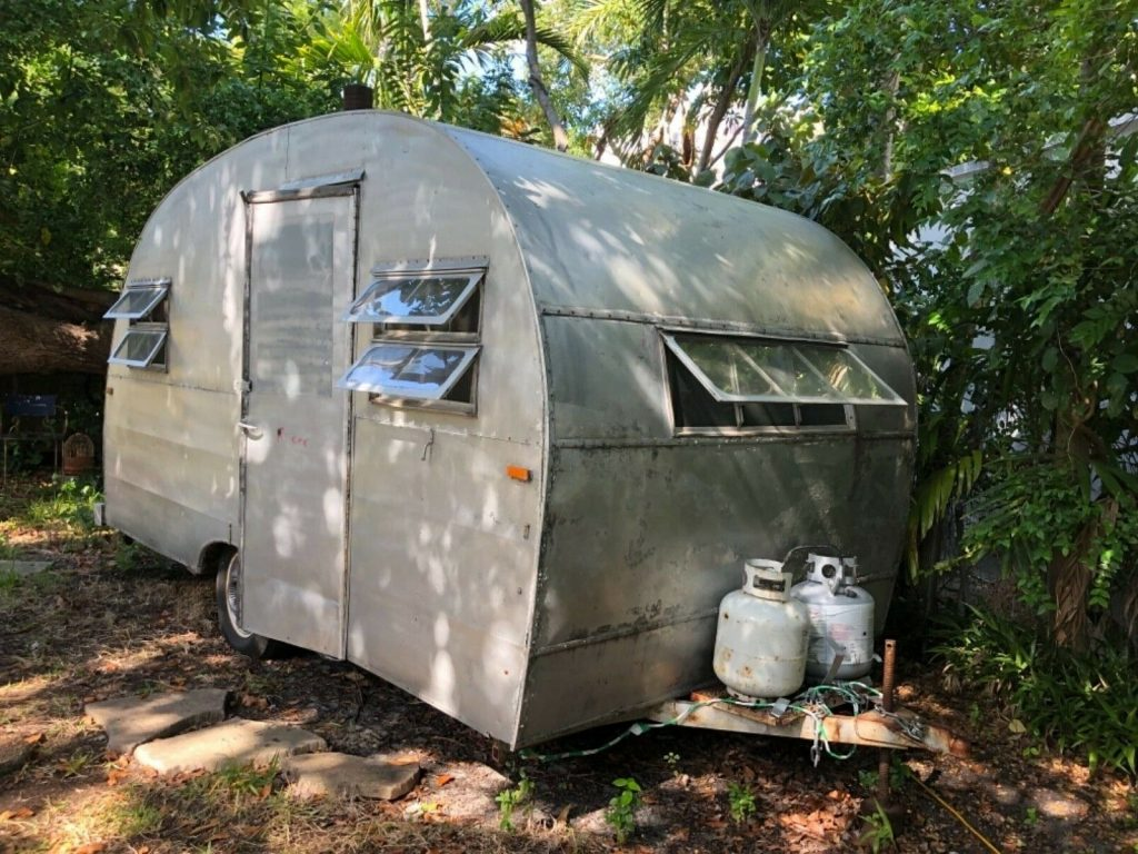 Vintage 1947 Can ham Trailer camper