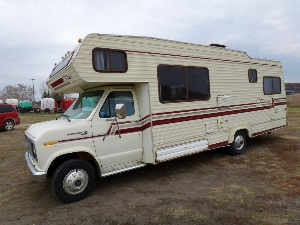 great shape 1985 Citation Ford E350 camper
