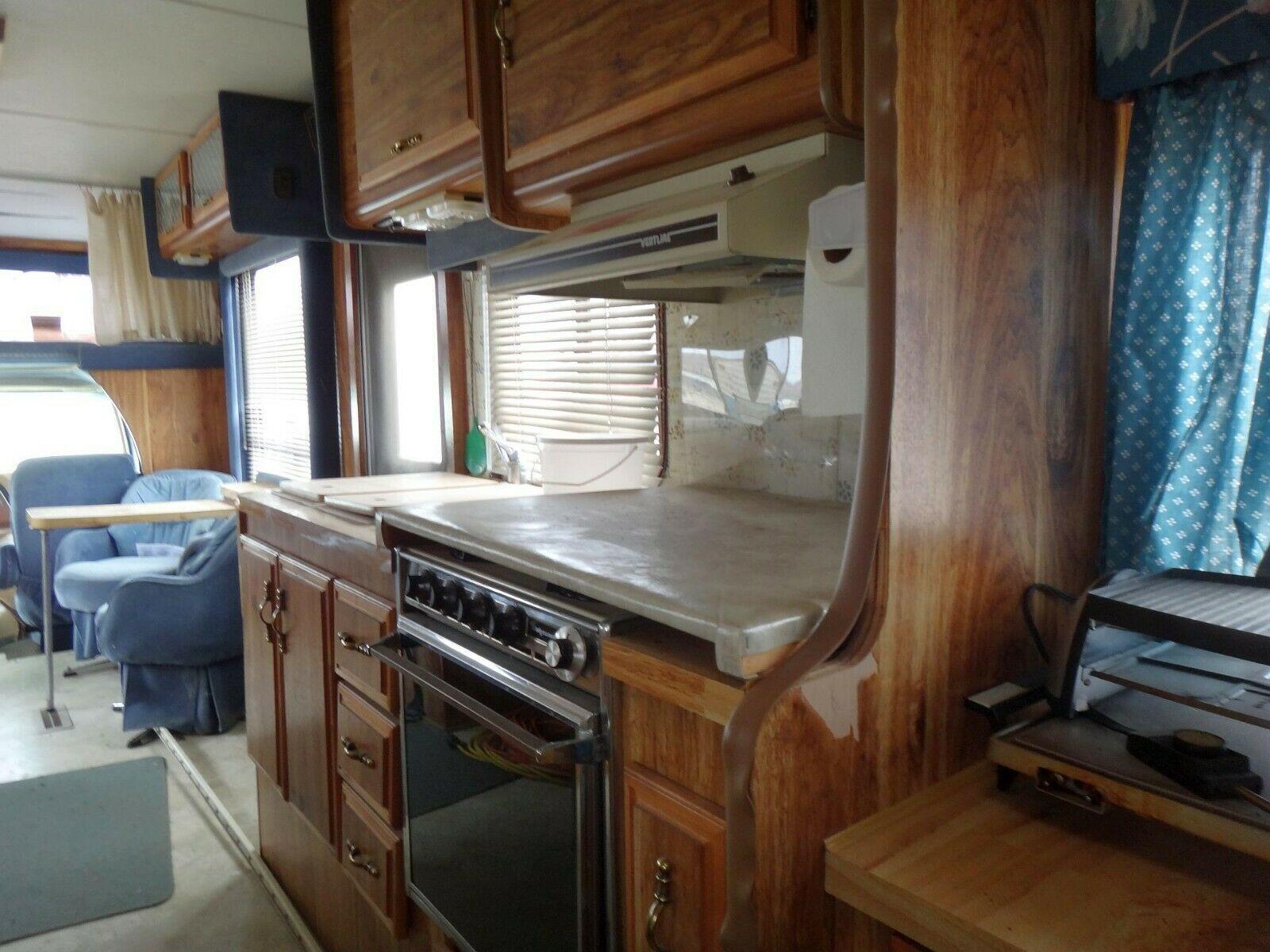 great shape 1985 Citation Ford E350 camper