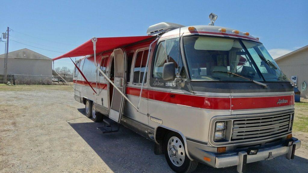 great shape 1987 Airstream 345 Classic camper
