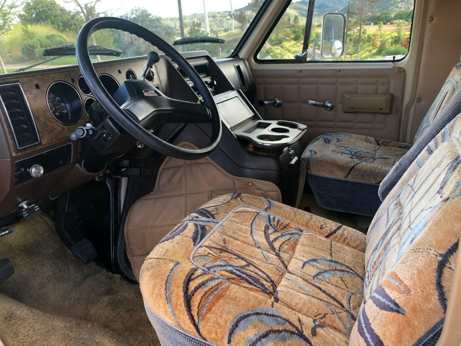 low miles 1984 Chevrolet Tioga Fleetwood G30 camper
