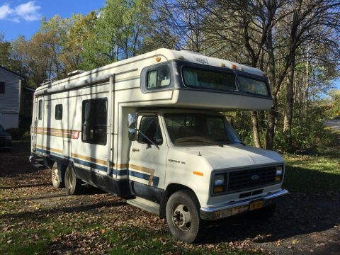 low miles 1984 Ford Holliday Rambler Imperial camper for sale