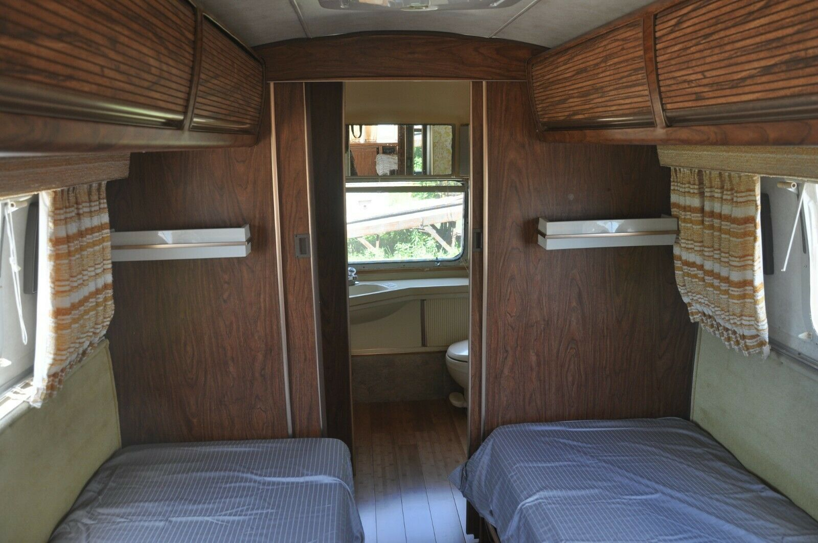 mostly original 1979 Airstream Sovereign 31' Travel camper