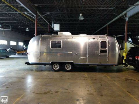 nice 1976 Airstream 25 camper for sale