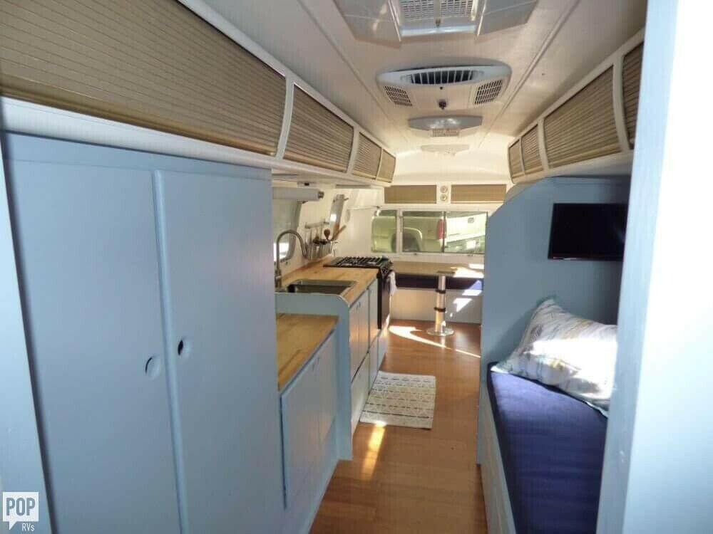 nice 1976 Airstream 25 camper