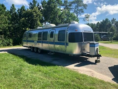 restored 1983 Airstream Excella 34′ camper for sale