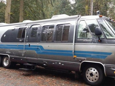 loaded 1992 Airstream Classic Limited 350 LE camper for sale