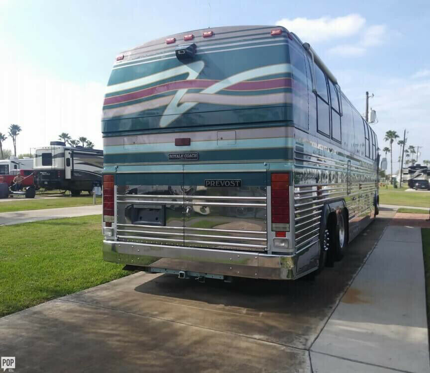 loaded 1994 Prevost Le Mirage XL camper