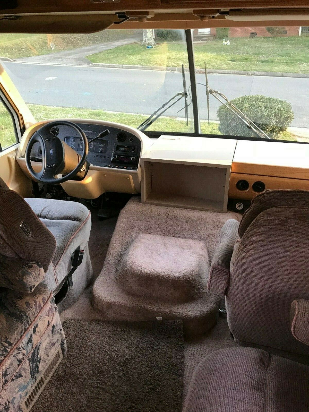 low miles 1994 Southwind Fleetwood camper