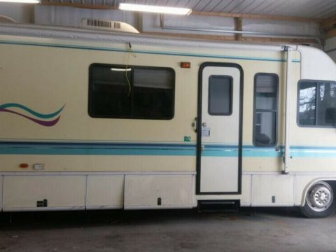 low miles 1995 Damon Motor Coach Frontier Flyer camper for sale