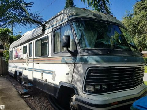solid 1987 Holiday Rambler Imperial camper for sale