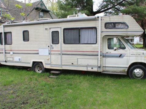 water damage 1988 Gulf Stream camper for sale