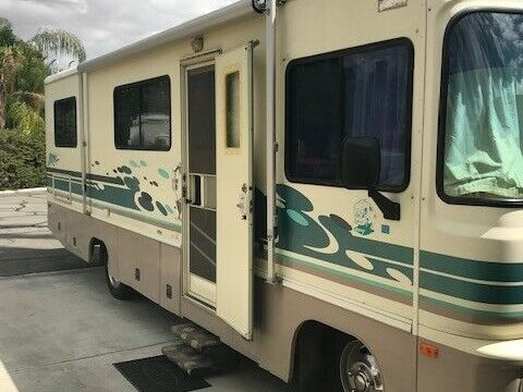 super clean 1996 Fleetwood Storm camper for sale