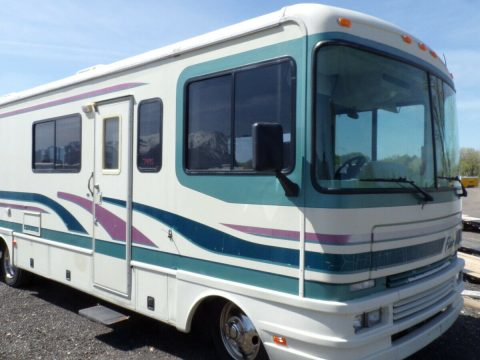 very nice 1996 Fleetwood Flair 30 camper for sale