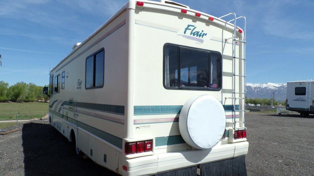 very nice 1996 Fleetwood Flair 30 camper