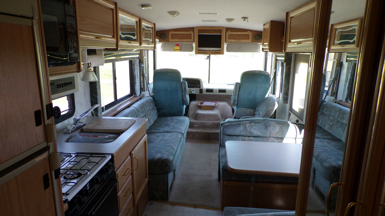 very nice 1996 Fleetwood Flair 30 camper
