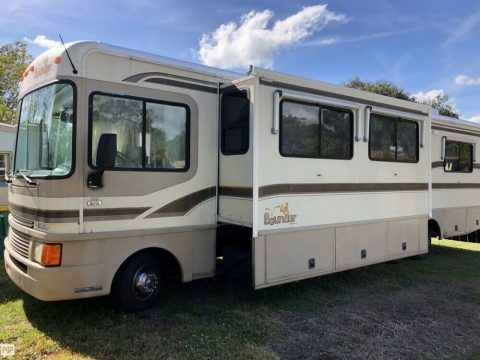 well equipped 1997 Fleetwood Bounder camper for sale