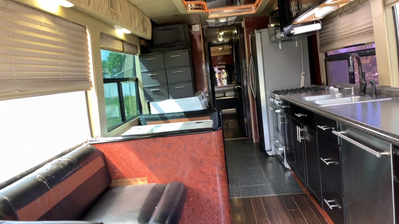 bus conversion 1999 Prevost H3 45 VIP camper