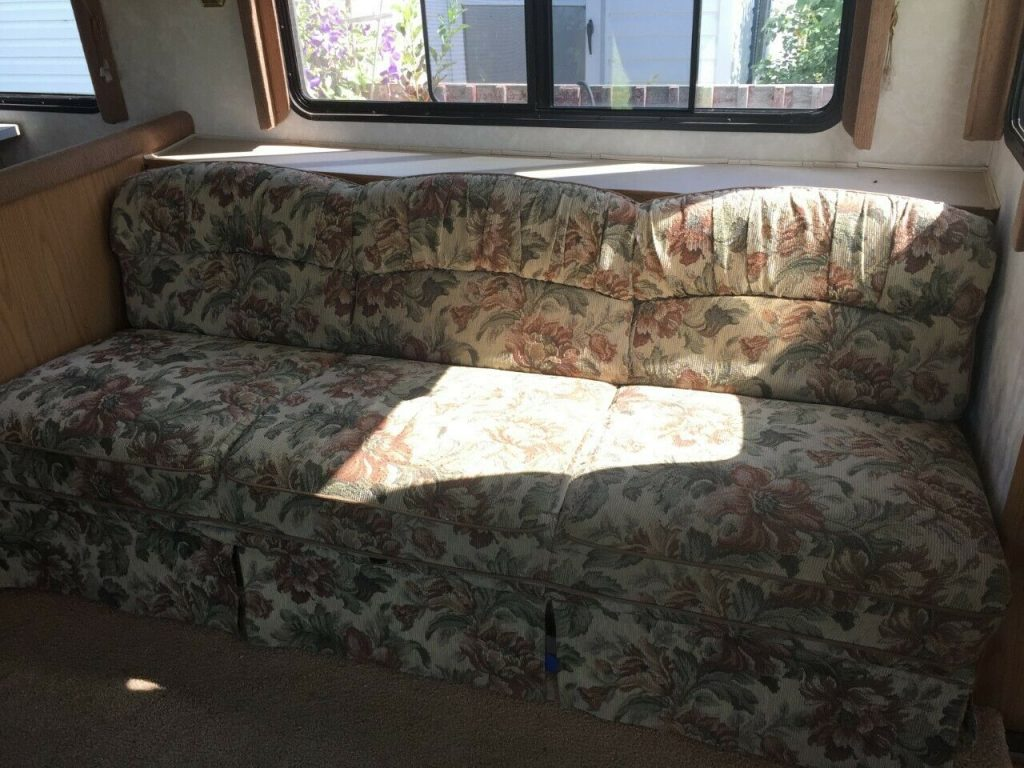 low miles 1999 Fleetwood Bounder camper
