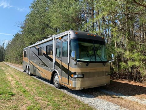 low miles 2000 Holiday Rambler Navigator camper for sale