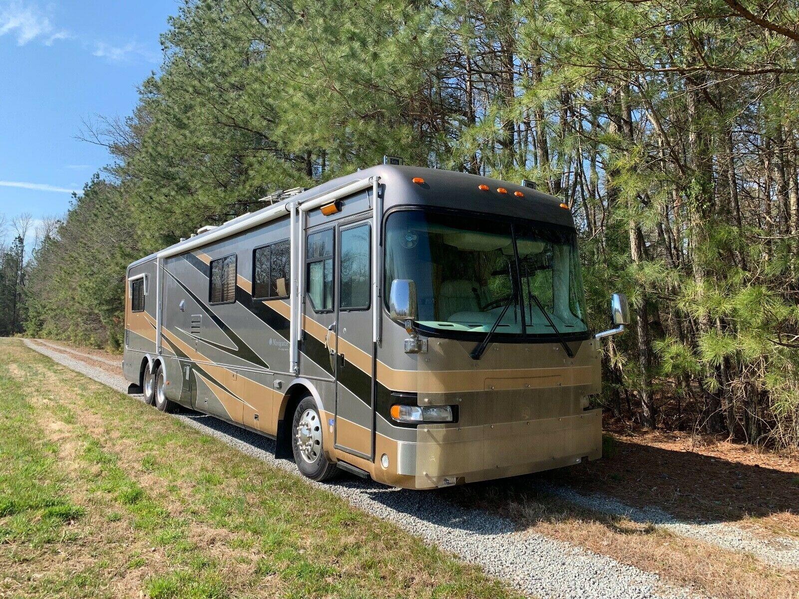 low miles 2000 Holiday Rambler Navigator camper