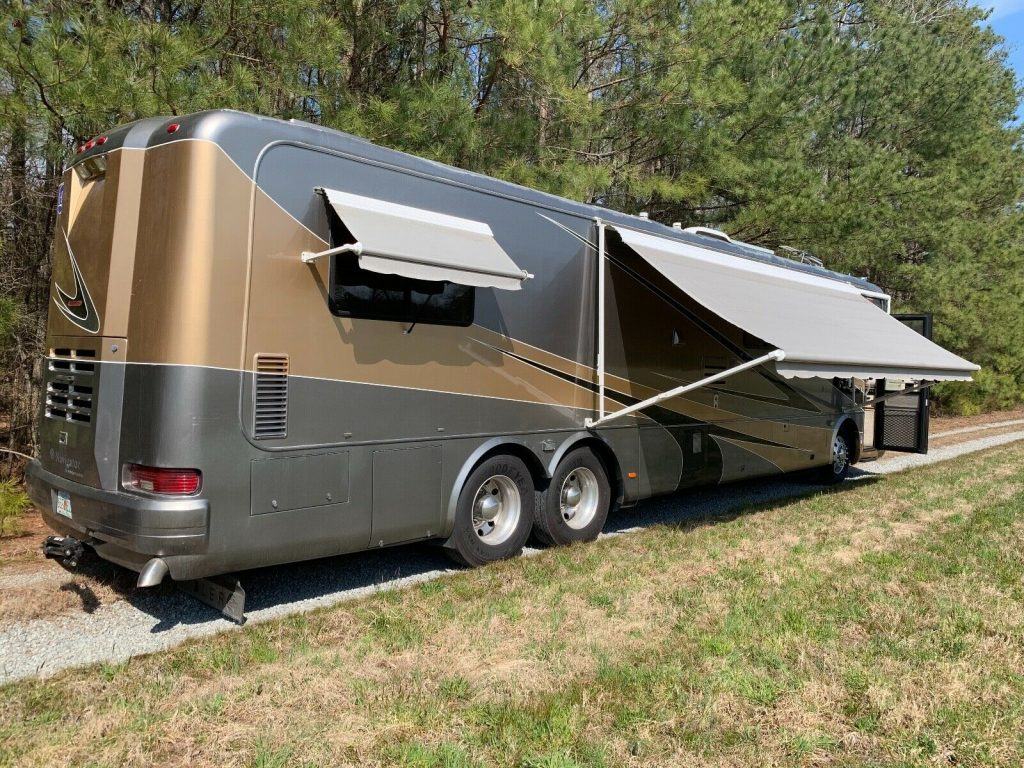 low miles 2000 Holiday Rambler Navigator camper