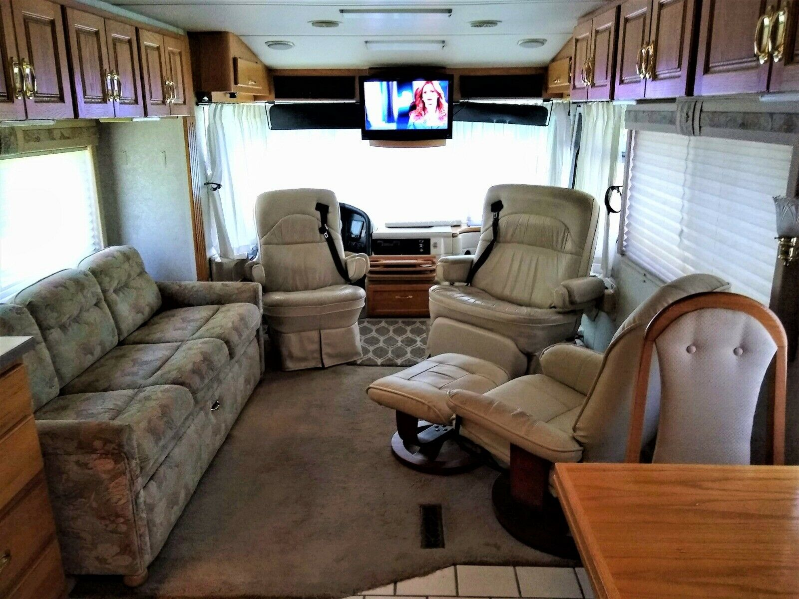 ready to roll 1999 Holiday Rambler IMPERIAL camper