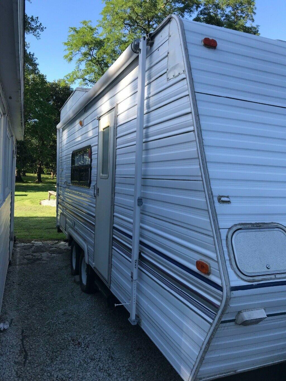 toy hauler 2000 Forest River Salem camper