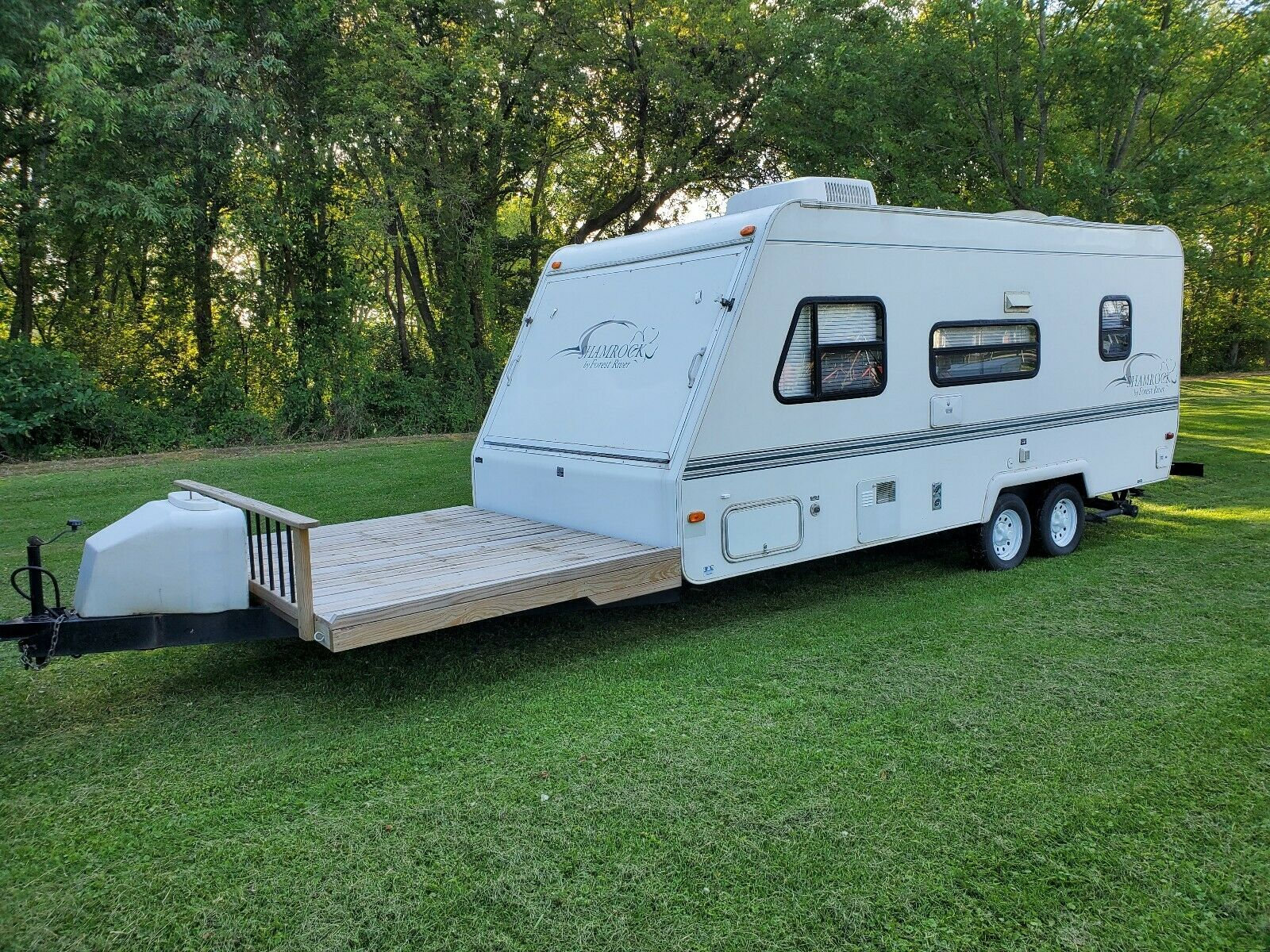 toy hauler 2000 Forest River Shamrock camper