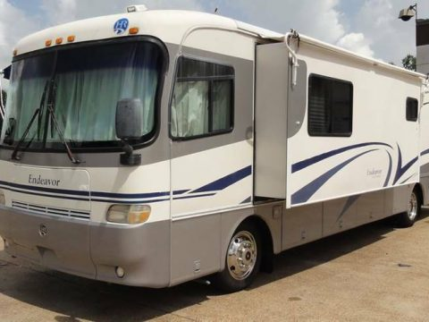 very nice 1999 Holiday Rambler Endeavor camper for sale