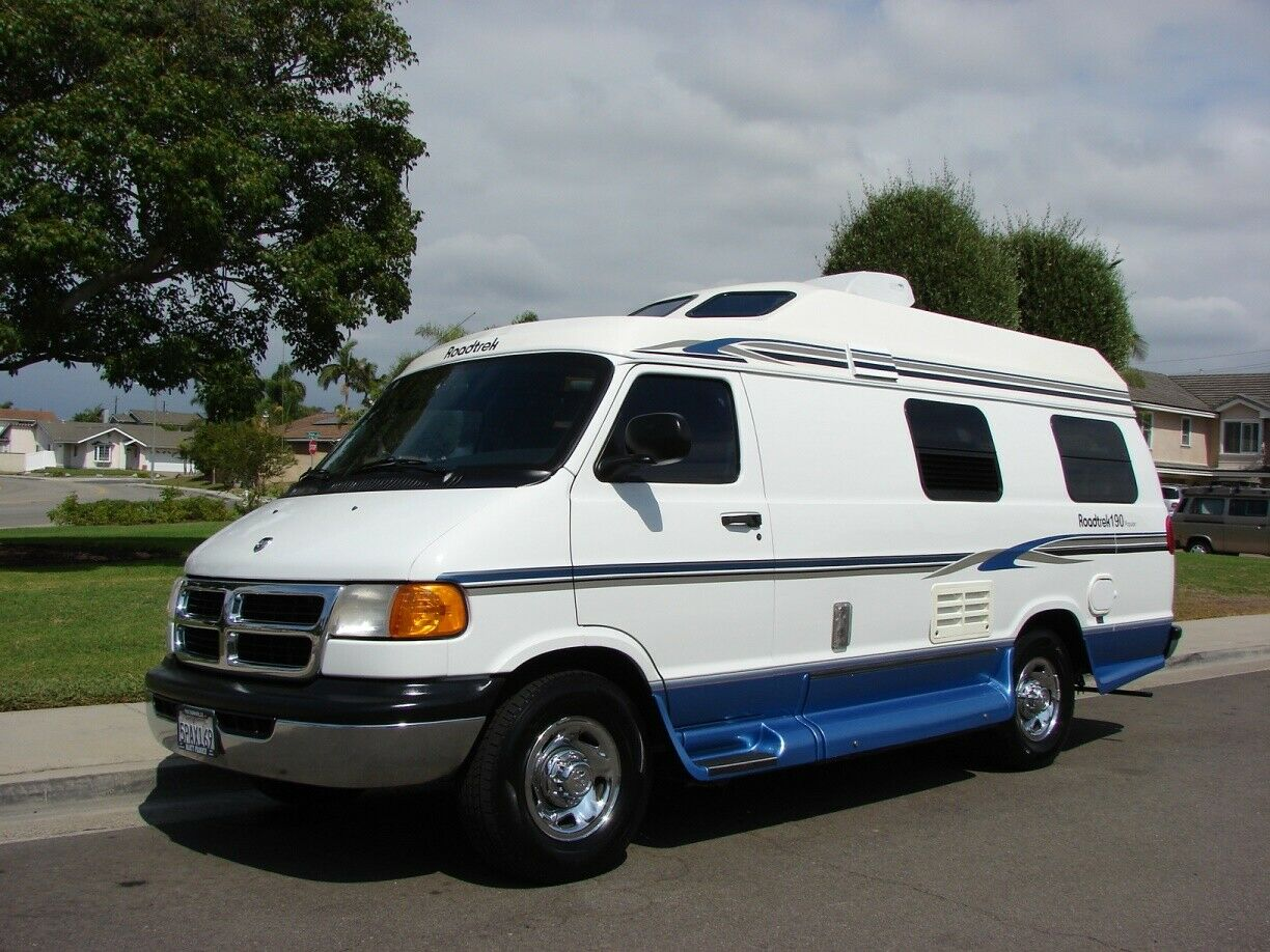 fully loaded 2000 Roadtrek 190 Popular Dodge 3500 5.2L camper