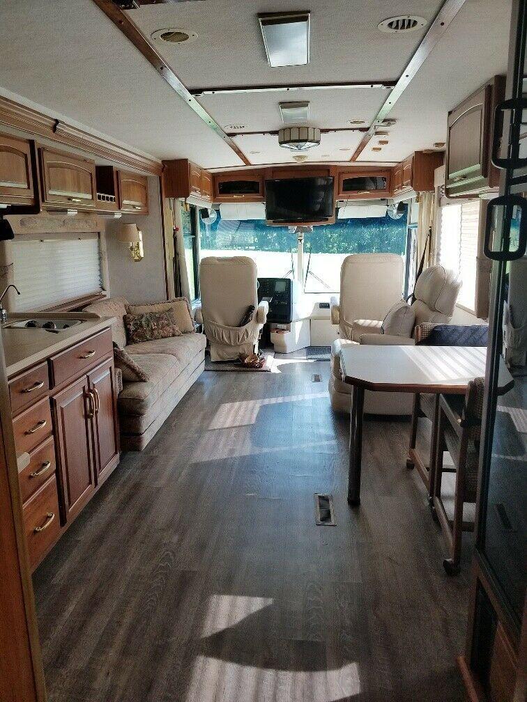 renewed 2000 Winnebago Itasca Horizon 36LD Diesel camper
