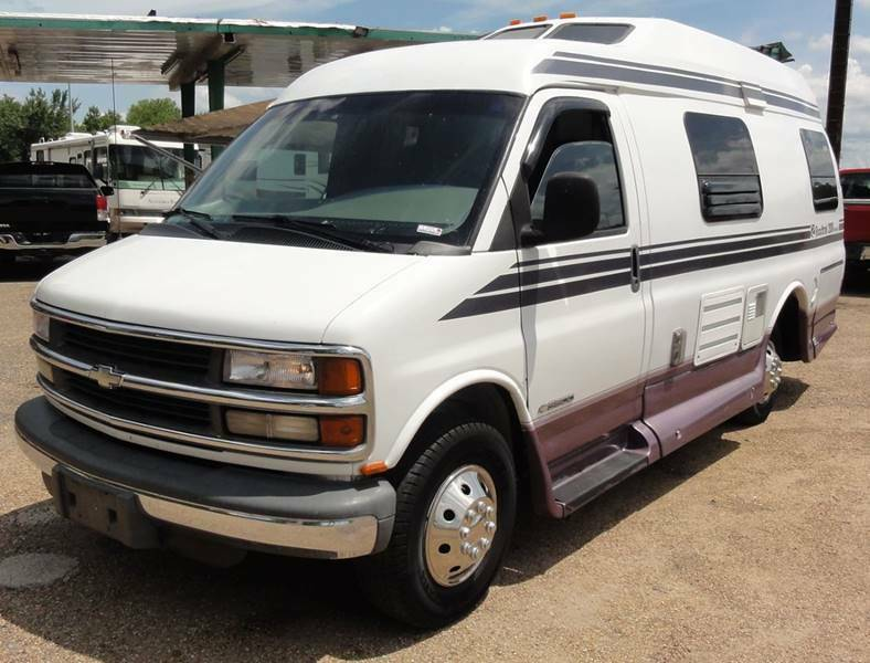 very nice 2001 Roadtrek Versatile 200 camper
