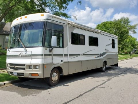 well maintained 2002 Winnebago Adventurer camper for sale